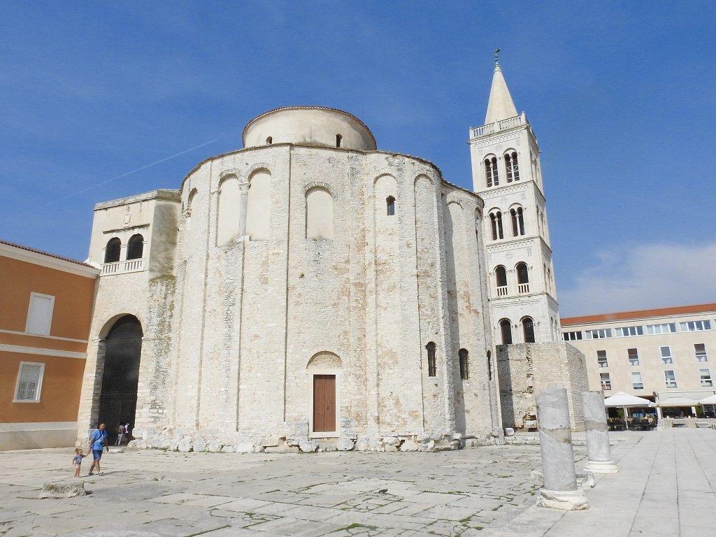 st Dnoatus Church