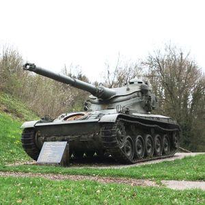 Maquetas hechas - AMX 13 90 Vista frontal lateral