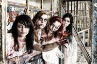 Mulheres com maquiagem de halloween zumbi
