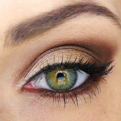 Resultado de imagem para olhos maquiados de dourado