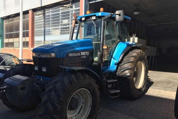 New Holland,8870,Barcelona,25.000,00 EUR