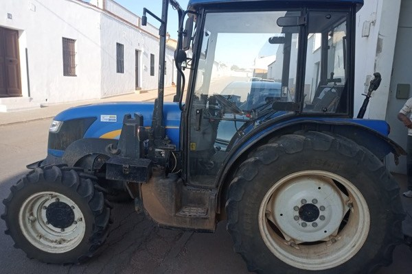 New Holland,Td4040 F,Badajoz,18.000,00 EUR