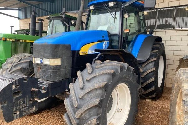 New Holland,Tm 190,Badajoz,18.000,00 EUR