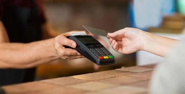 Como escolher a máquina de cartão certa