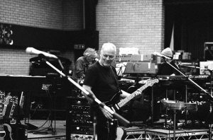 Gilmour in studio - Black Strat