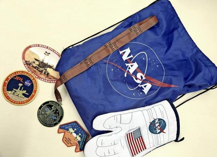 "Extra-terrestrial souvenirs: Franz Renz collected medals, buttons and other souvenirs from the Mars mission of the two rovers ""Spirit"" and ""Opportunity""."