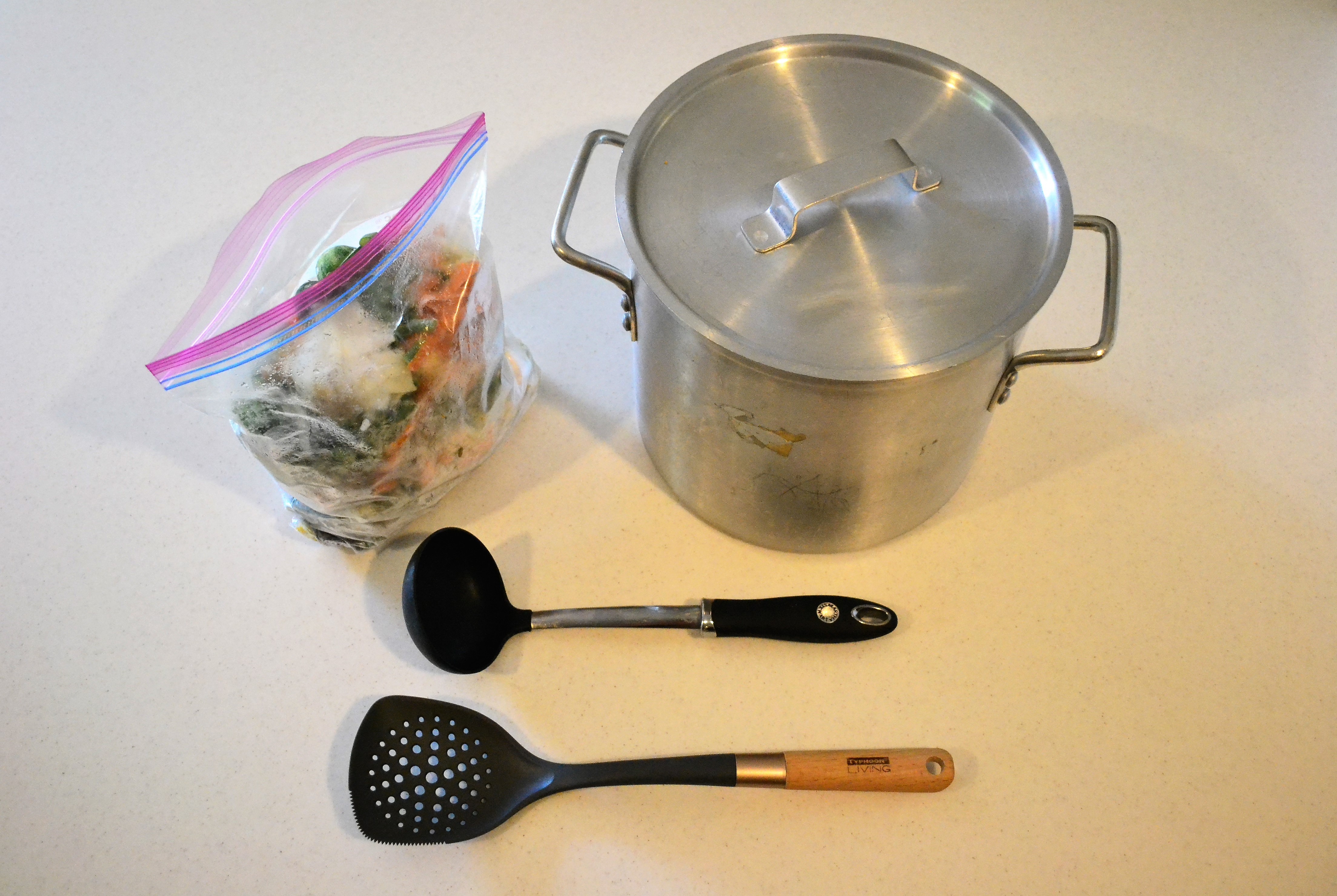 How to Make your Own Vegetable Stock at Home!