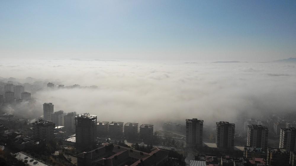 Kahramanmaraş'ta etkili olan sis, kartpostallık görüntüler oluşturdu