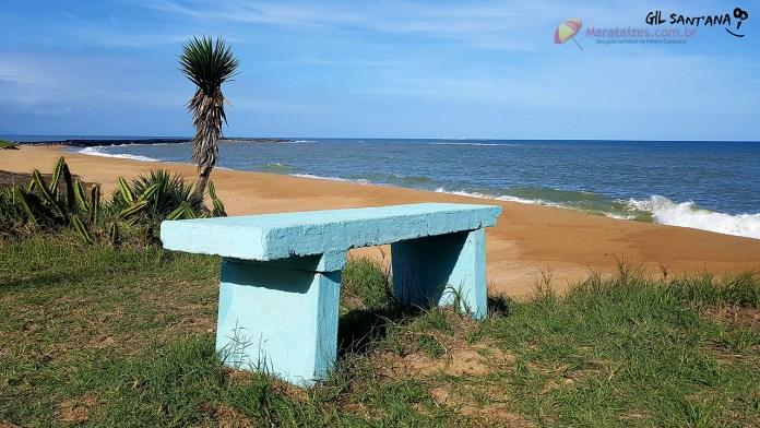 Uma praia para relaxar. A Praia dos Namorados é uma excelente opção para a família descansar em Marataízes