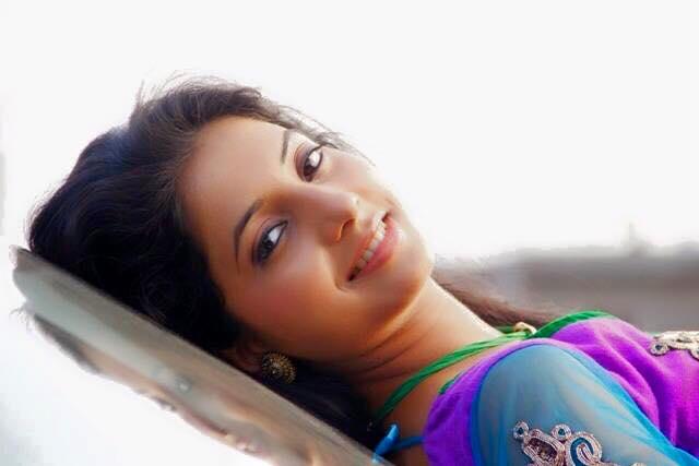 sayali-sanjeev-actress
