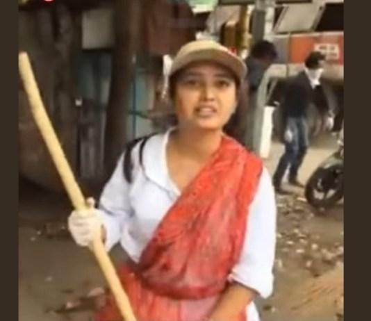 Prajakta Mali clean the roads after Ganapati Visarjan