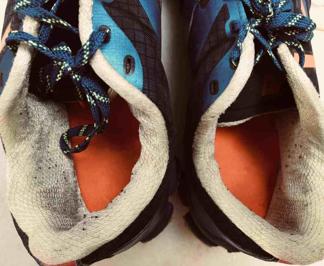 Here's When You Should Replace Your Running Shoes - The 4 Signs 4