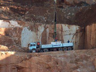 granital-siena-camion-trasporto-marmo