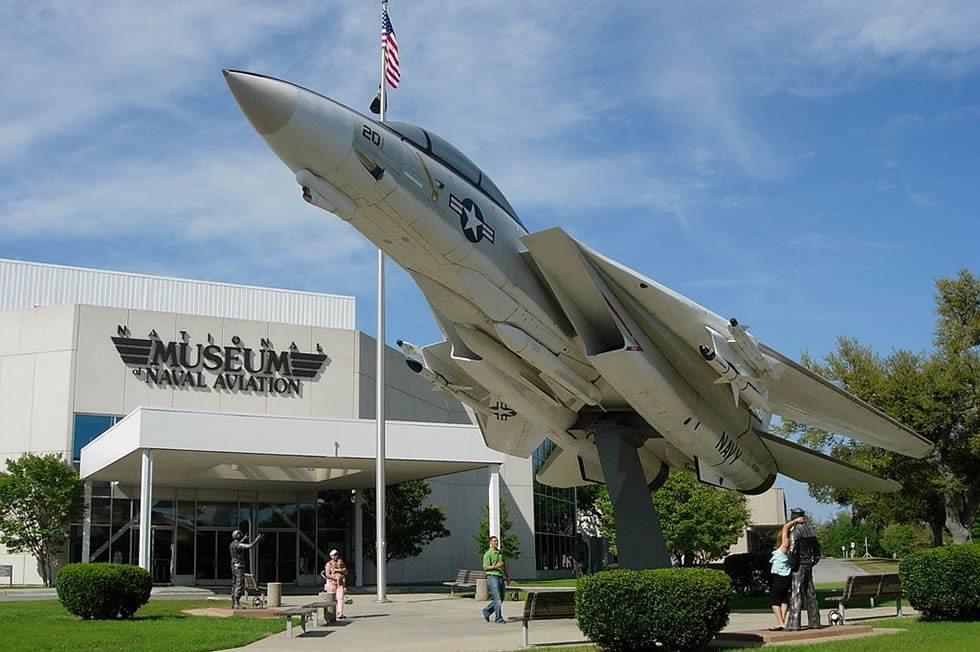 1024px-Grumman_YF-14A_Tomcat_157984_Museum_(NMNA)-0a65709159