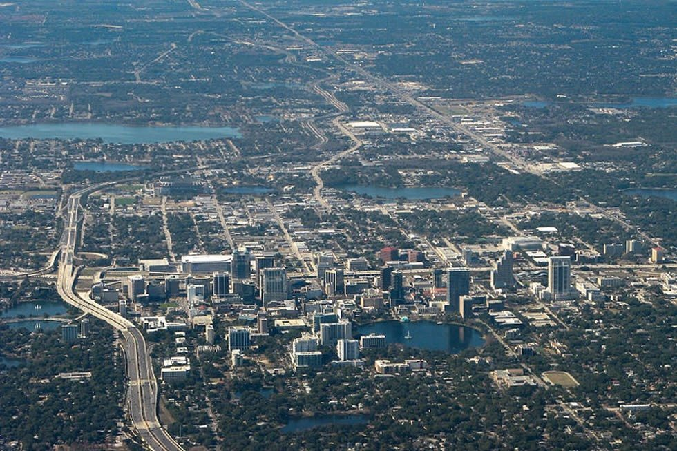 800px-Orlando_downtown_2011-35669a6c11