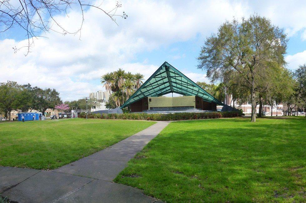 Williams_Park_St._Petersburg_Florida_Amphitheater-14d98caa5e