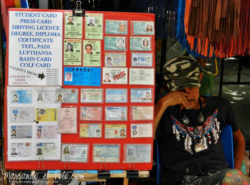 Primer viaje a Bangkok: Credenciales falsas