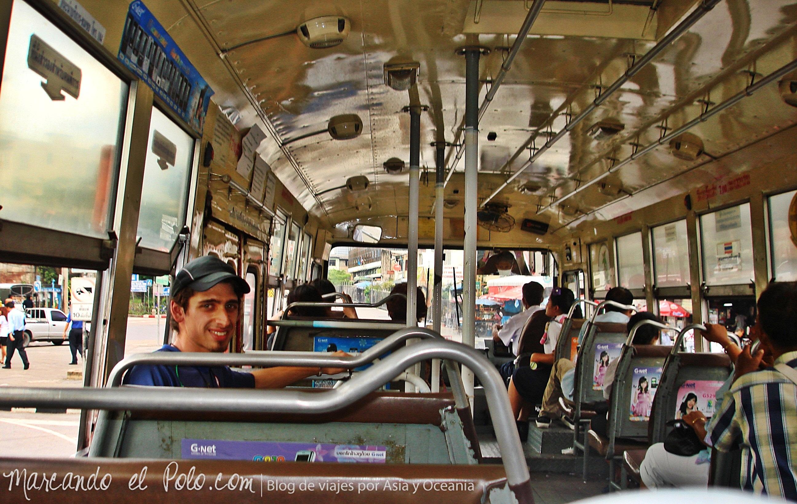 Primer viaje a Bangkok: bus local