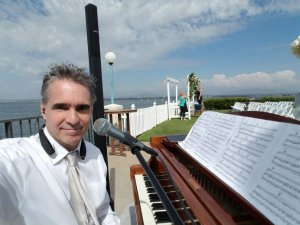 Top Rated Wedding Pianist