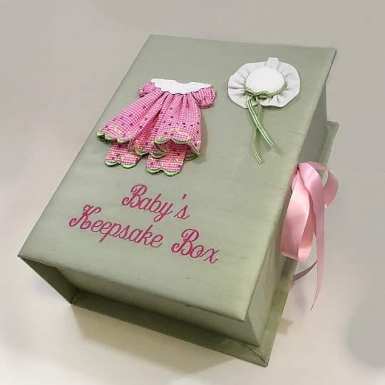 B14C-24G-Celadon-Silk-Style-51-Hot-Pink-Thread