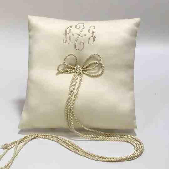 PL7S-MS-Cream-Matte-Satin-Style-15-Beige-Thread