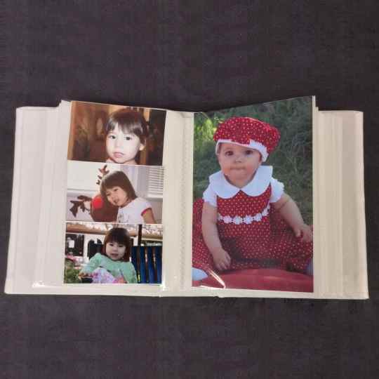 AHB7-Small-Hardbound-Photo-Album-Inside-View-Baby-20-pages-40-photo-pockets