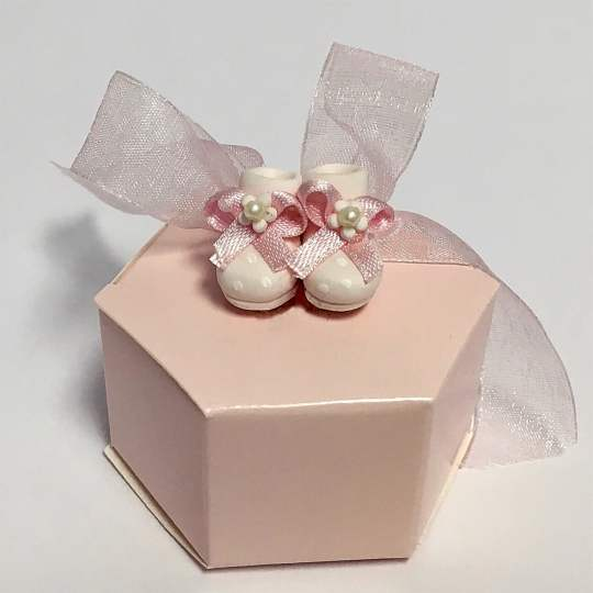 FBB-1-Pink-Favor-Box-with-Baby-Shoes