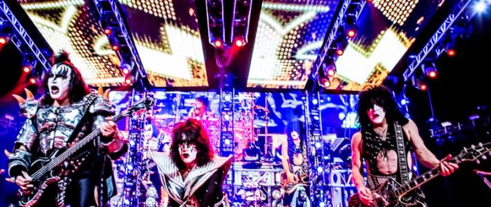 Grote glamrock show Kiss in Ziggo Dome Amsterdam met een rij aan hits