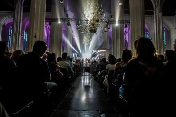 Tijdens de Vierdaagsefeesten vinden er iedere dag popconcerten plaats in de Stevenskerk in Nijmegen. Deze avond speelde de rockband Navarone er.