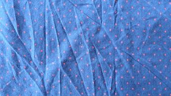 coton-bleu-marine-petits-pois-rouges-145x259
