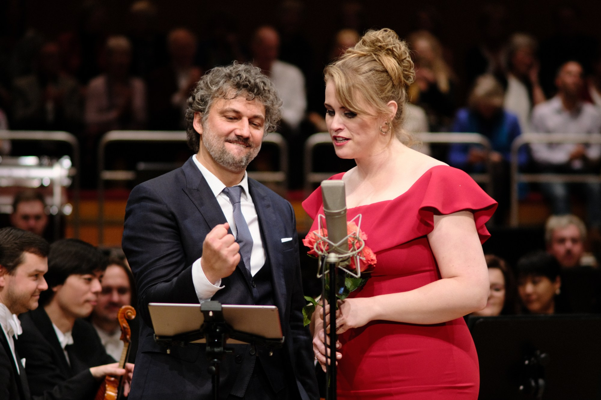 Jonas Kaufmann and Rachel Willis-Sørensen on stage