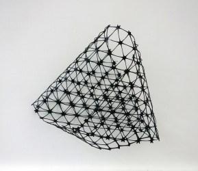 Driehoeksvergelijking (Bill) - 44 x 44 x 28 cm.