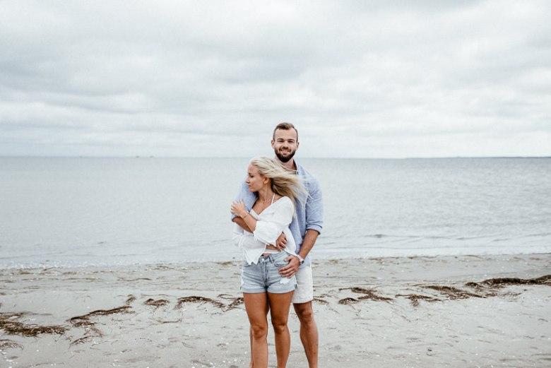 Hochzeitsfotograf Ostsee Ruegen Usedom Strand Paarshooting Engagement 013 Eine kleine Ostseebriese - Kennenlernshooting am Strand