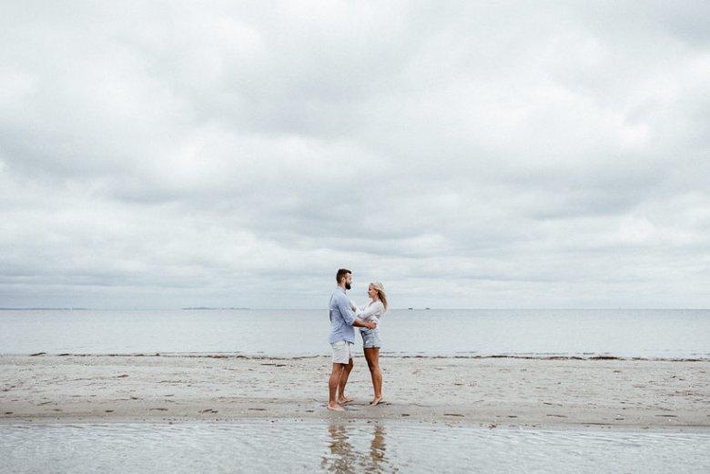Hochzeitsfotograf Ostsee Ruegen Usedom Strand Paarshooting Engagement 020 Eine kleine Ostseebriese - Kennenlernshooting am Strand