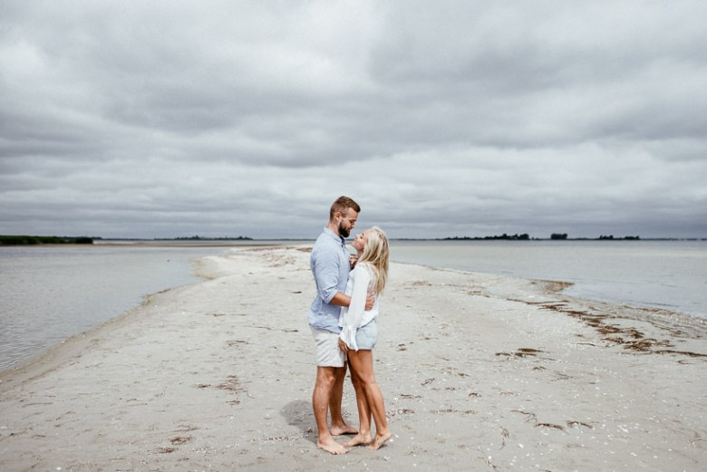 Hochzeitsfotograf Ostsee Ruegen Usedom Strand Paarshooting Engagement 045 Eine kleine Ostseebriese - Kennenlernshooting am Strand