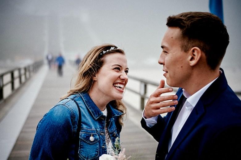 Hochzeitsfotograf Fotograf Ruegen Ostsee Sellin Binz Usedom Header 030 intime Hochzeit auf Rügen verliebt, Reportagefotografie, Reportage, Liebe, Langeoog, Hochzeitsfotografie, Hochzeit, gleichgeschlechtlich, Fotoreportage, Elopement