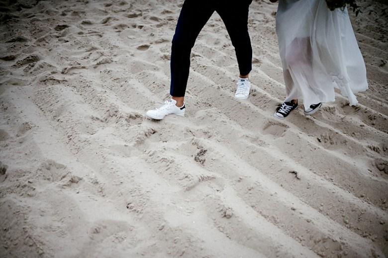 Hochzeitsfotograf Fotograf Ruegen Ostsee Sellin Binz Usedom Header 084 intime Hochzeit auf Rügen verliebt, Reportagefotografie, Reportage, Liebe, Langeoog, Hochzeitsfotografie, Hochzeit, gleichgeschlechtlich, Fotoreportage, Elopement