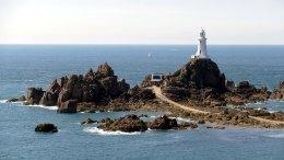 Jersey face à la Normandie c'est comme le ruban vert face à la fibre, indispensable