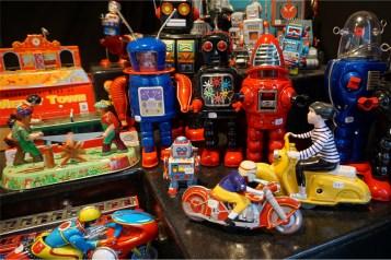jouets en métal mécaniques