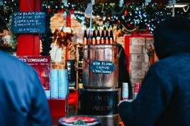 vin chaud place commerce marche de noel de nantes