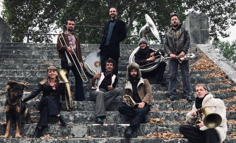 balkanic-orkestar-marche-de-noel-angers-2019.jpg