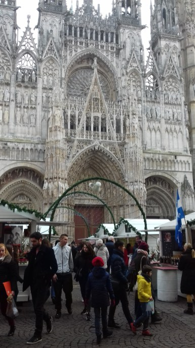Chalets et cathédrale