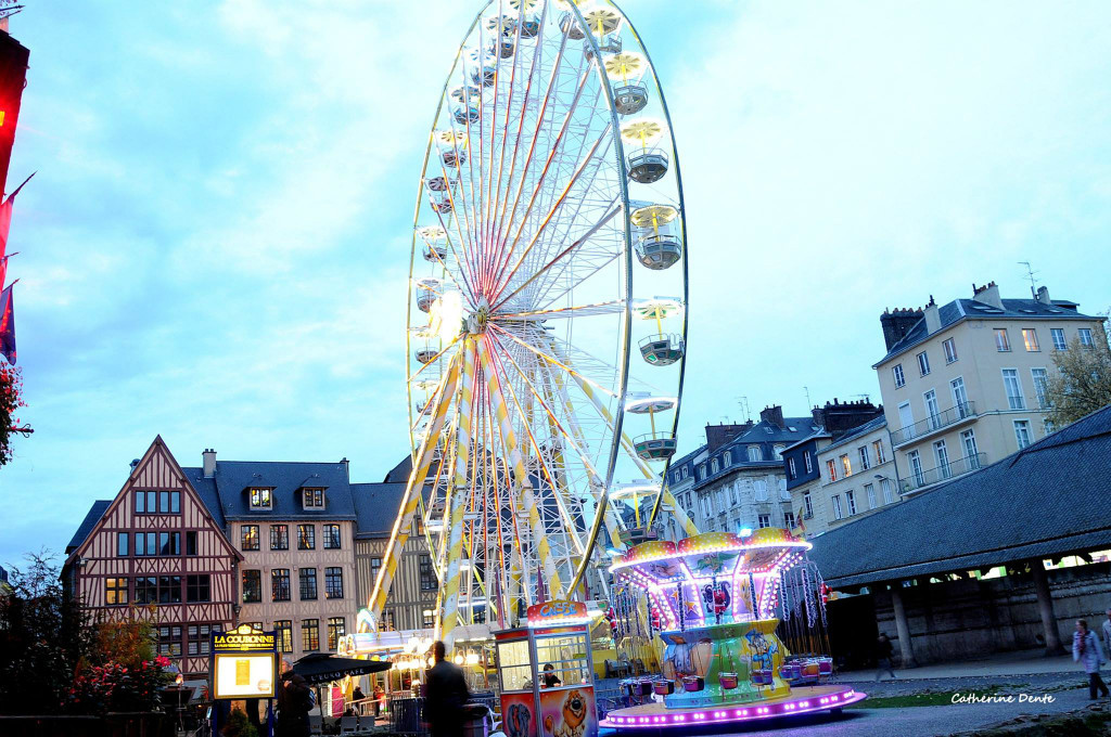 grande-roue-marche-de-noel-rouen-2019