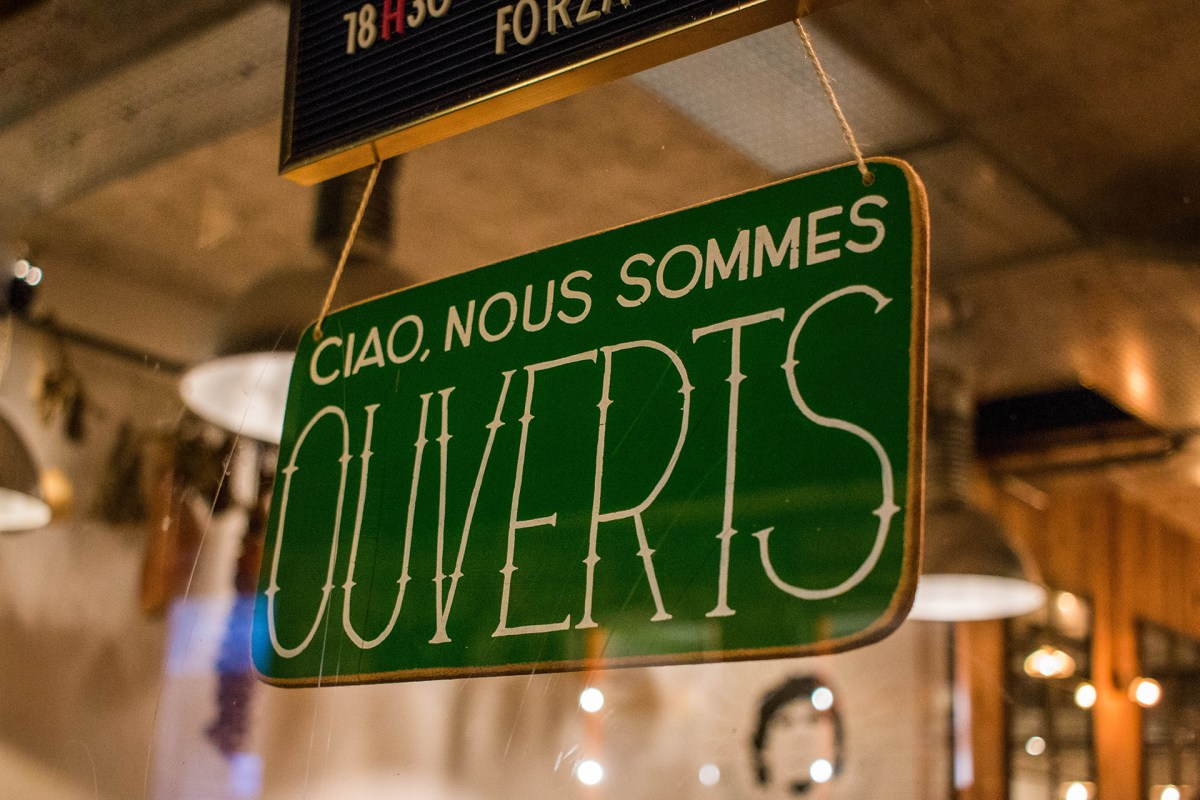 Store Sign - Nous sommes ouverts