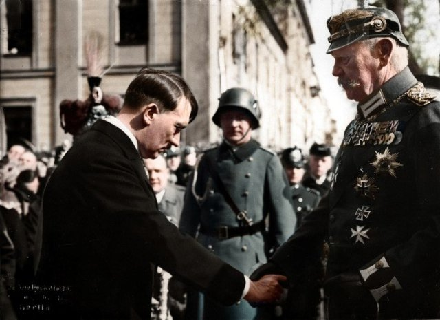 Adolf Hitler e Paul von Hindenburg