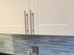 cabinet pulls in a townhouse kitchen remodel