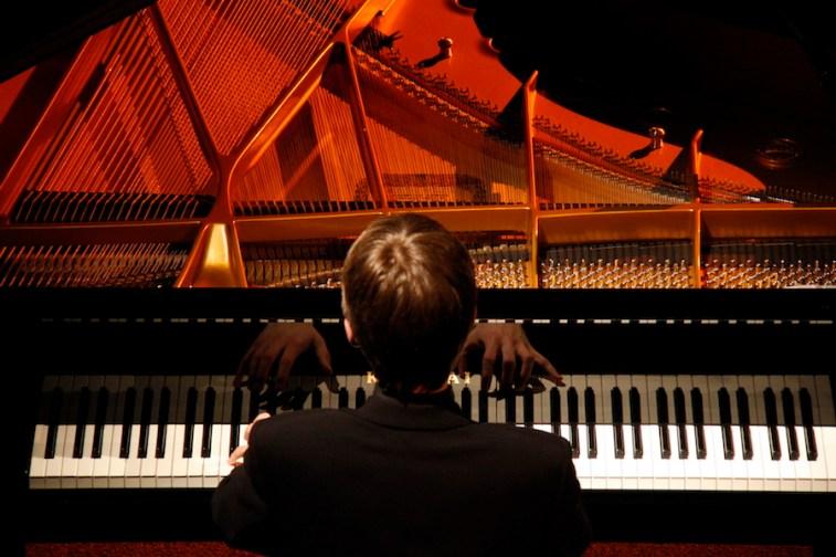 marcin-koziak-pianista