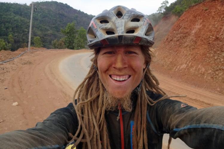 In Myanmar führte mich meine Route über schlechte und teilweise staubige Strassen durch den Chin-State.