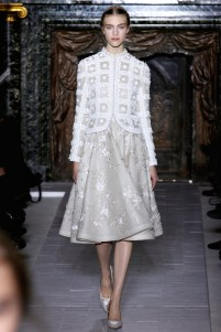 valentino-couture-spring-2013-21_172018523480