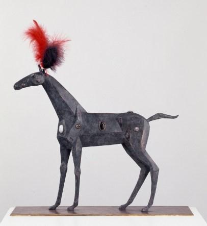 Edles Pferd, 2008, Bronze/Edelsteine/Federn, H 60 cm